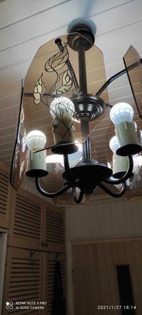 Lampa pokojowa pięć żarówek.