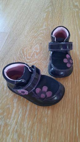 Ботиночки Clarks для модницы