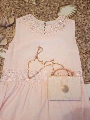 Нарядное платье р.48-50
