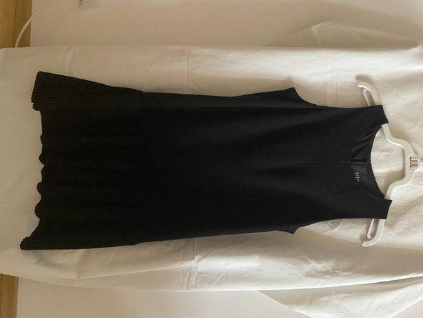 Sukienka czarna Simple r.36