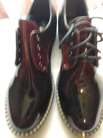 Продам туфлі,37роз.