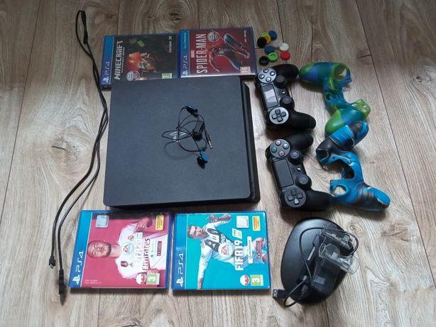 Konsola PS4 cały zestaw