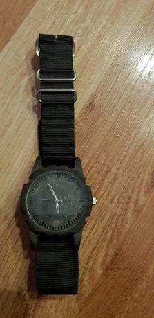 Sprzedam zegarek z drewna