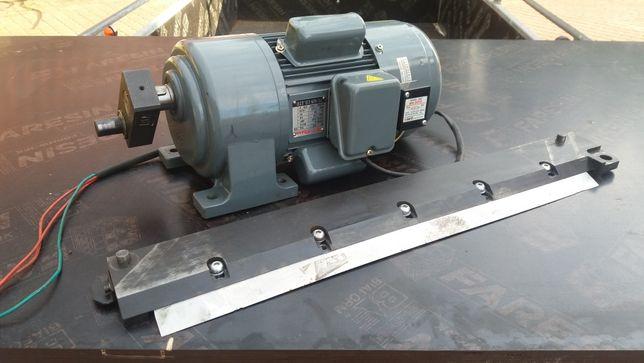 Silnik elektryczny do gilotyny