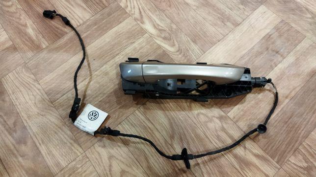 Ручка двери перед правая VW Passat В7 USA keyless бесключевой доступ