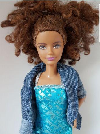 Lalka Barbie Fashionistas Skipper mulatka czarnoskora afro siostra