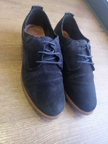 Sapatos azuis marinho seaside