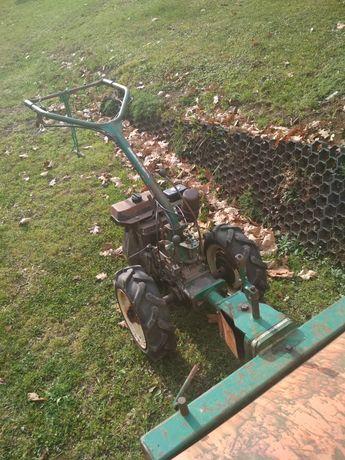 Traktorek glebogryzarka zamiatrka