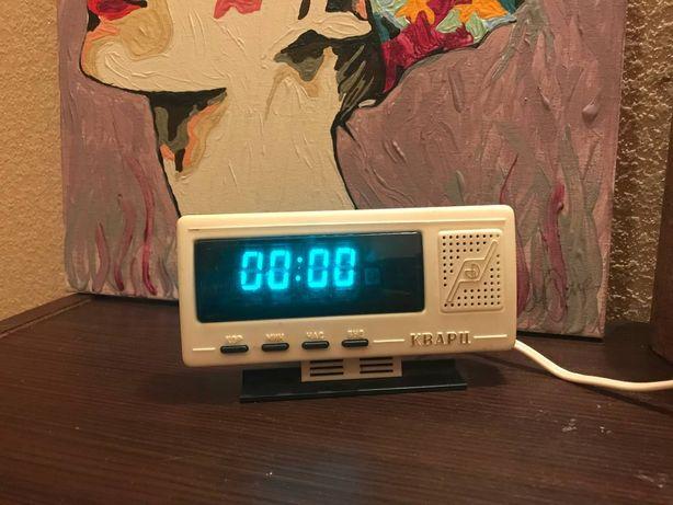 Електронные часы Кварц рабочие