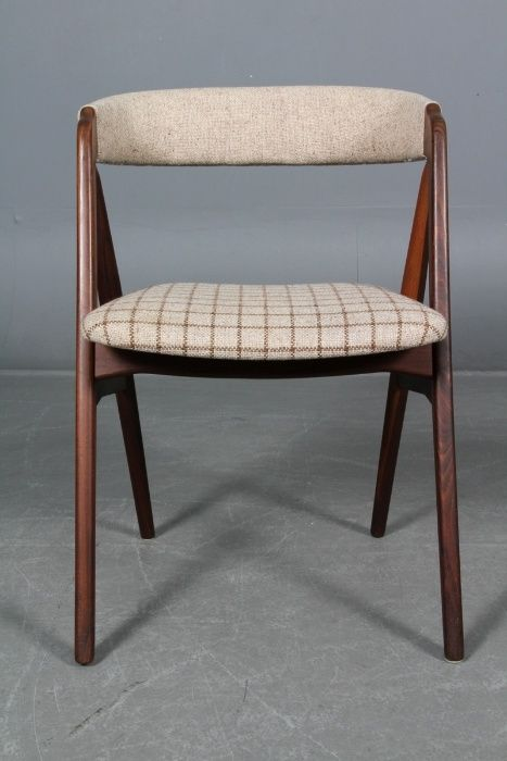 Jogo 4 cadeiras Th. Harlev em teca| Chair design | Cadeiras de jantar