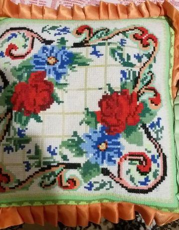 Продаются декоративные  подушки салфетка, рушничок--ручная вышивка