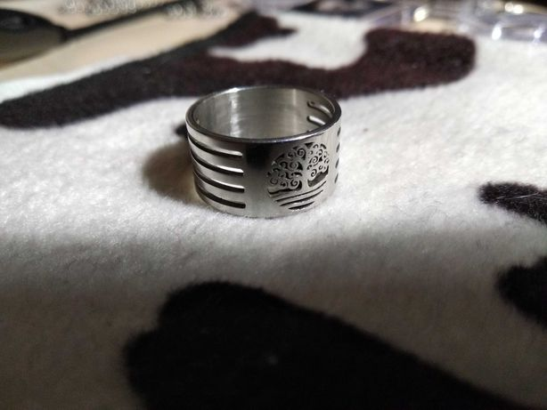 Продам кольцо Дерево жизни бижутерия