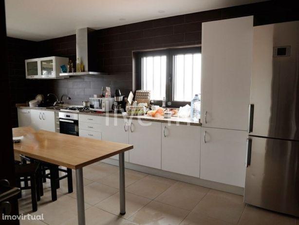Apartamento T4 mobilado e equipado em Cacia
