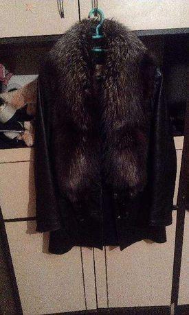 зимняя кожаная курточка,с натуральным мехом