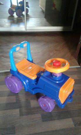 Машинка-трактор,для езды детей 1-3 года.800р