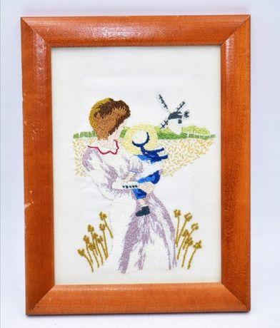 Haftowany obrazek Matka z dzieckiem na łące kwiaty kobieta