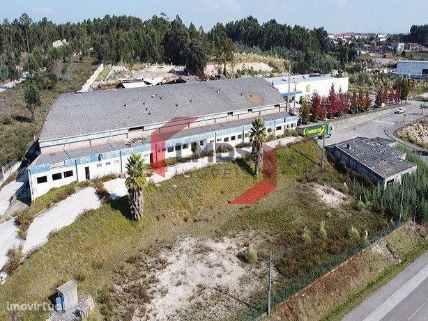 Armazém Industrial -Oliveira do Douro