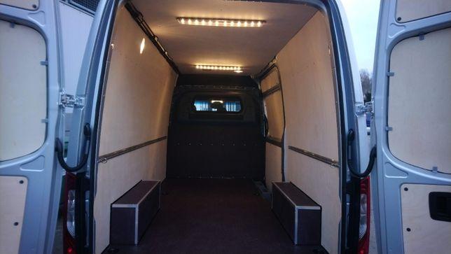 Zabudowa wnętrza samochodu Mercedes Sprinter L2H2 z tylnym napędem