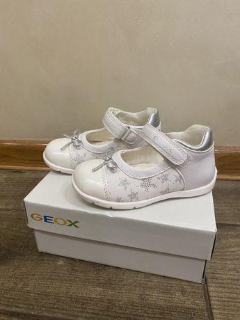 Новые! Туфли,босоножки,Туфельки Geox 24 размер