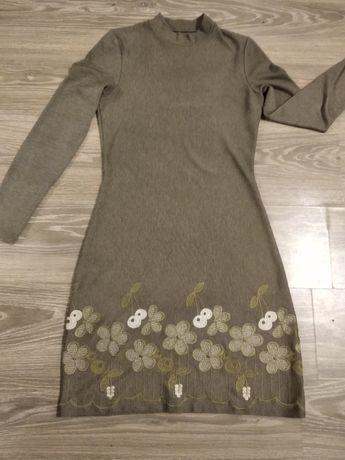 Теплое платье размер 44-46