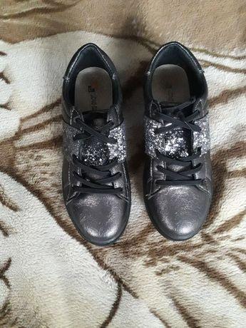 Туфли для девочки,р.34.