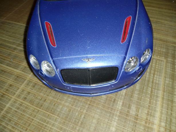 машина игрушка на радиоуправлении , фирменная , Bentley