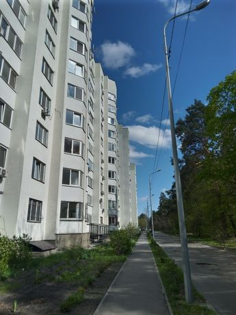 Продам квартиру на 1 этаже под офис, аптеку,магазин. Харьковский. Своя