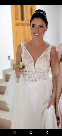 Suknia ślubna z welonem Carolina Novia