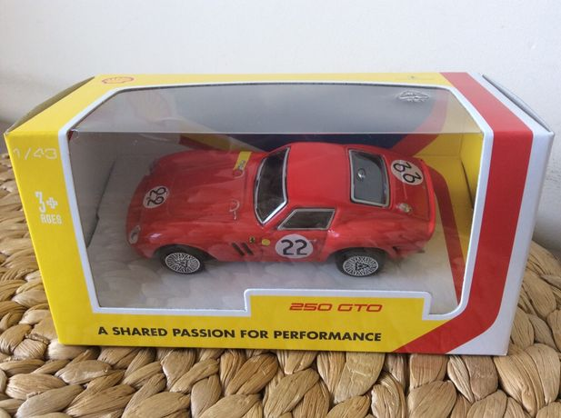 Ferrari Shell 250 GTO nowe autko Bburago, kolekcja, prezent