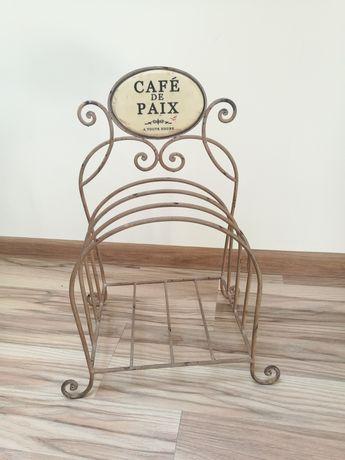 Gazetnik Cafe de PAIX