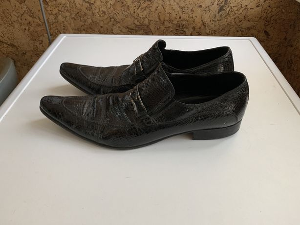 Кожаные нарядные мужские лакированные туфли