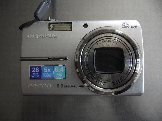 Máquina Fotog. Digital Olympus FE-200