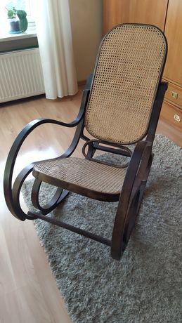 Drewniany fotel bujany