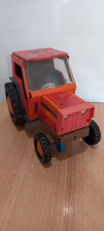 Игрушка трактор з-д Ватутина, СССР