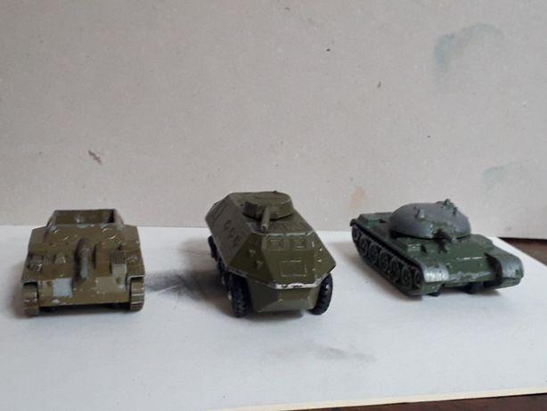 Военные машинки металлические.