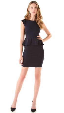 Маленькое черное платье с баской