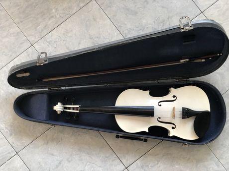 Скрипка белая (целая)