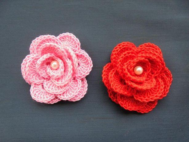 Conjunto 2 rosas em croché para aplicar