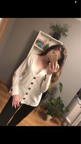 Koszula NA-KD biała z guzikami, dekolt serek, vintage, elegancka