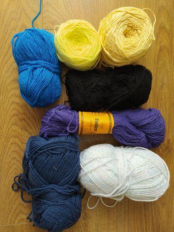 Wełna - różne kolory, resztki z robótek