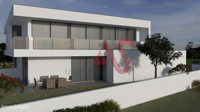 Terreno com projecto aprovado em Sande São Lourenço, Guimarães