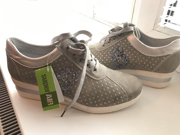 Туфлі жіночі нові, ботінки, снікерси Італія