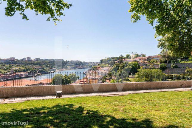 Apartamento T2+1 Duplex - Vista Rio Douro no Passeio das Virtures - Po