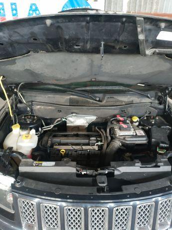 Разборка запчасти Jeep Compass 2011-2017год крылья двери стойки
