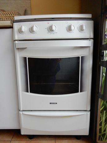 Kuchnia gazowa Bosch HSF11K31NA/04, w pełni sprawna