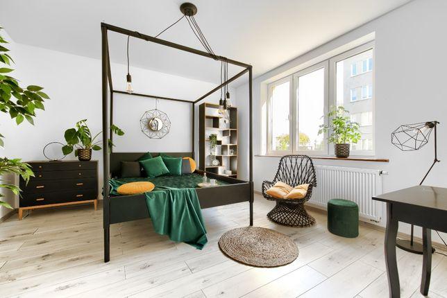 Łóżko loft z baldachimem