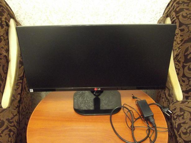 Монитор 25 LG UltraWide 25UM65 (2К: 2560x1080, IPS, HDMI, DVI, DP)