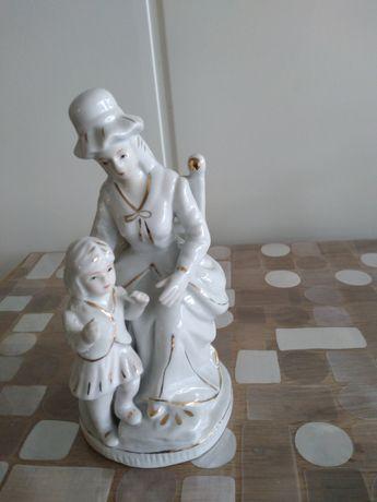 Figurka Pani z dzieckiem