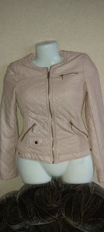 Курточка классная Zara