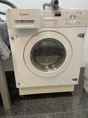 Maquina de lavar e secar de encastre pouco usada